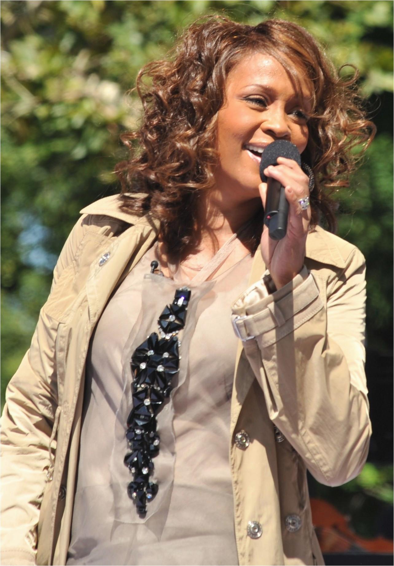 Whitney Houston Lebenslauf Deutsch Whitney Houston –