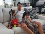 Cristiano Ronaldo Lebenslauf Deutsch Cristiano Ronaldo Starporträt News Bilder