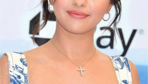 Selena Gomez Lebenslauf Deutsch Selena Gomez Steckbrief Bilder Und News